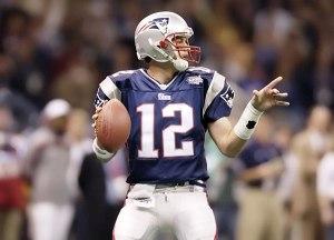 nfl-patriots-super_bowl_xxxvi_brady-tom-12-navy-2002-stockpic1